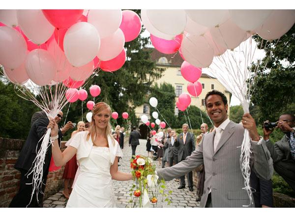 ambientes unicos el día de tu boda con globos de helio